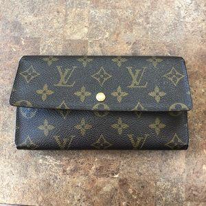 Louis Vuitton Wallet International Wallet.